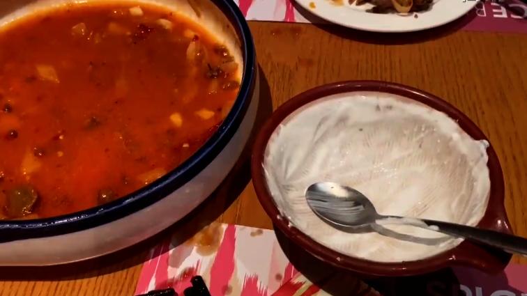 点餐区分大小份 文明餐桌一大步