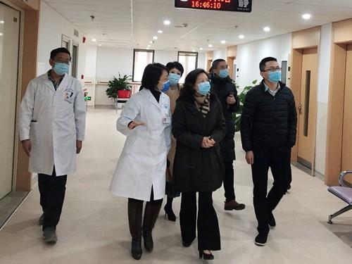 甘立军一行莅临肖家河卫生服务中心调研疫情防控