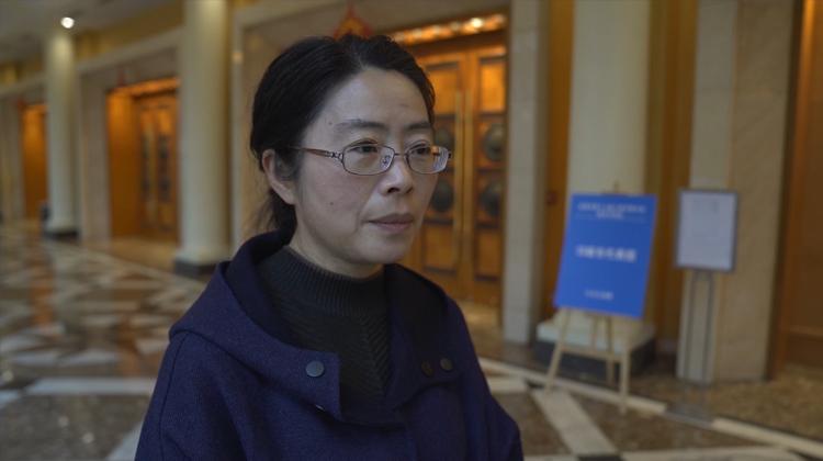 人大代表杨国蓉:把红军不怕苦不怕难的精神传承下去