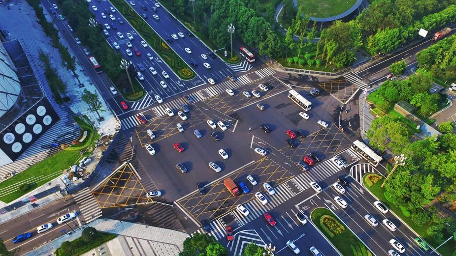 """聚焦十大工程丨提升城市通勤效率 讓市民""""暢游""""上班回家路"""