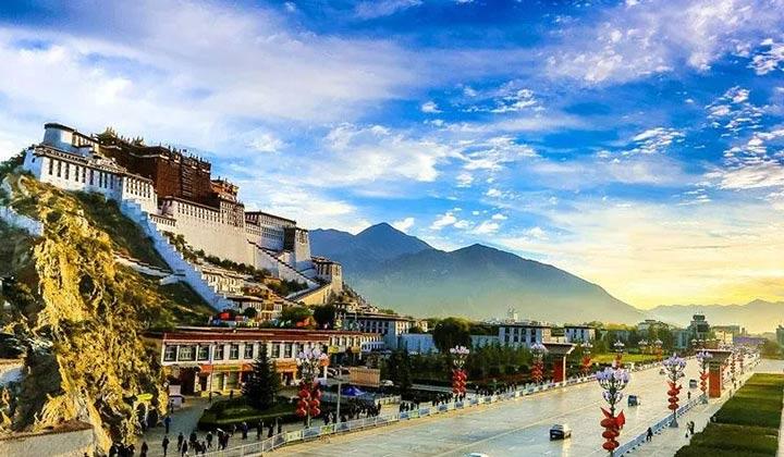 创变!90后新津主播徒步西藏!