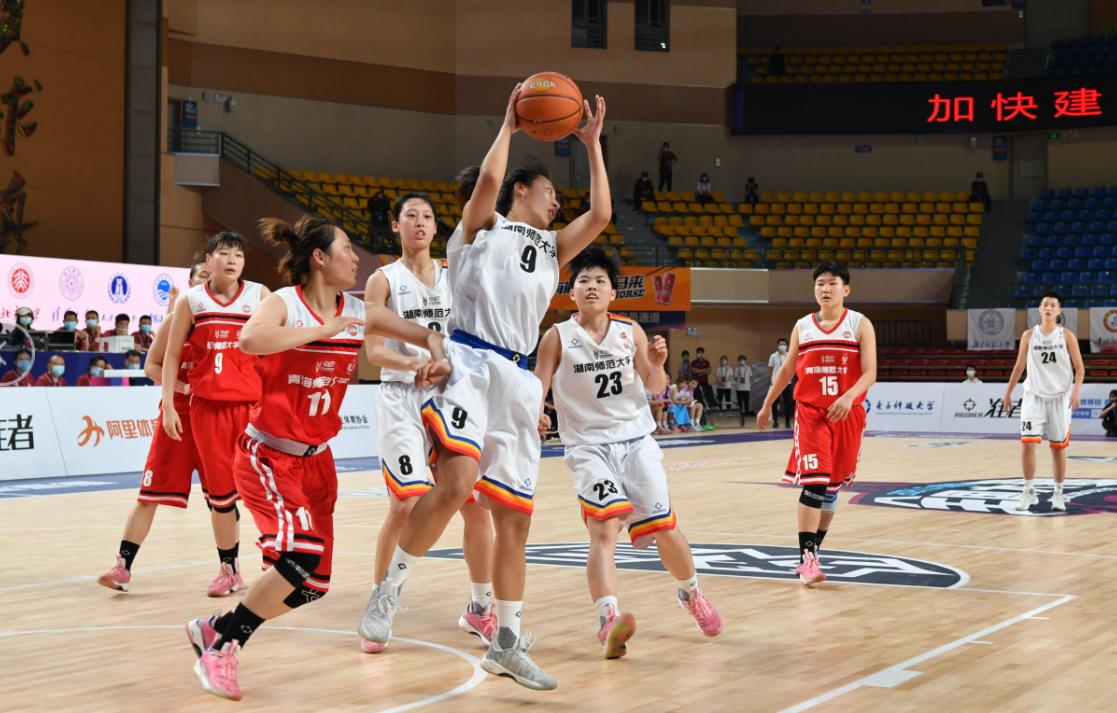 """""""相约幸福成都""""第23届中国大学生篮球一级联赛(女子24强赛)成都开战"""