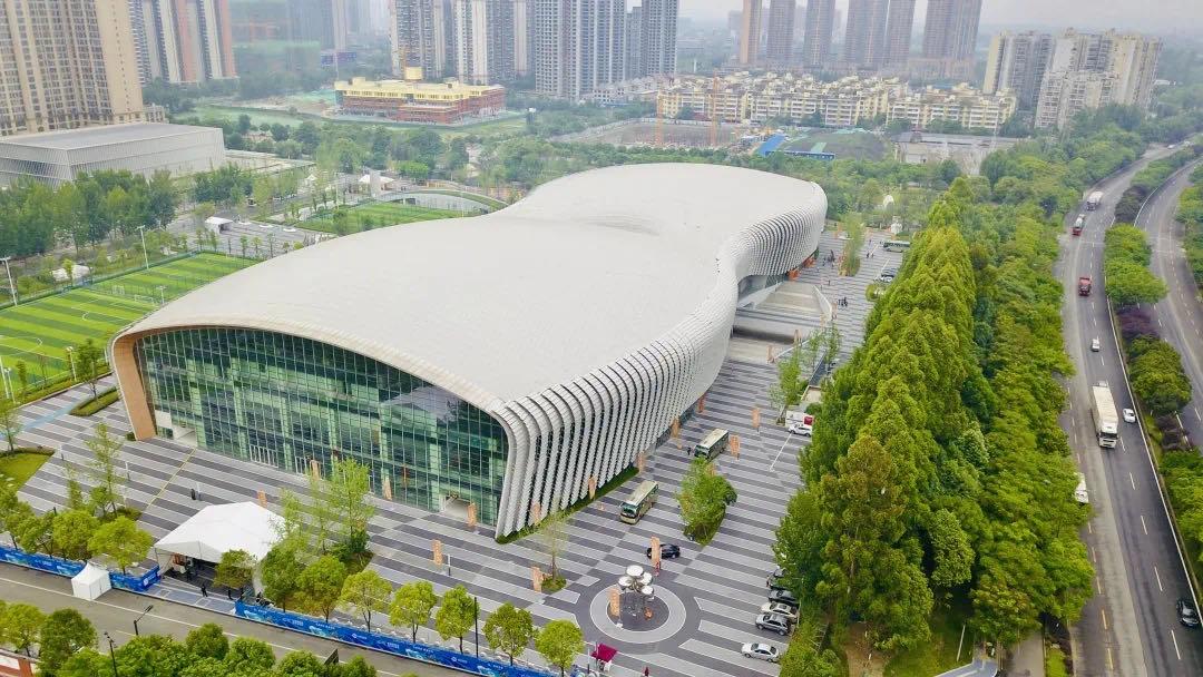 新都市民免费游泳福利!香城体育中心大运会顶级游泳馆限时开放!
