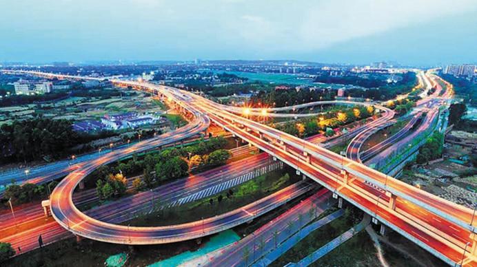 凤凰山高架桥正式通车 全线长约7.74公里