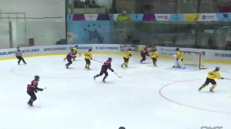 首届中国女子冰球联赛 成都热烈开赛