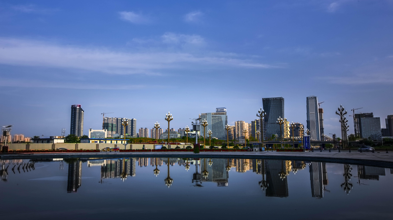 施小琳主持召开市委全面依法治市工作会议,要求用法治厚植城市发展核心竞争力,以高水平法治建设护航高质量发展