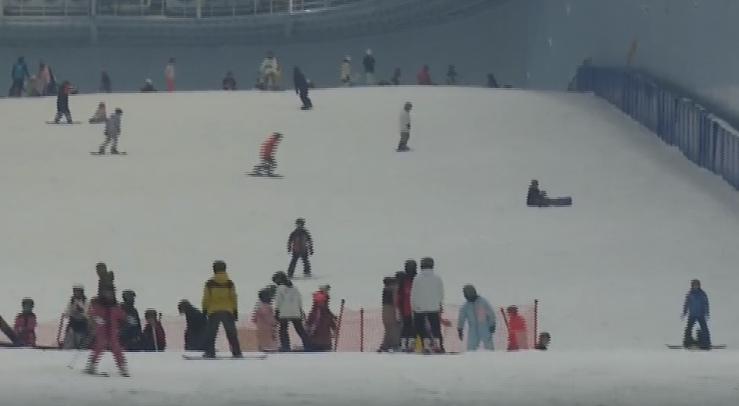 滑雪遇上电音 给你一场怦然心动的假期体验
