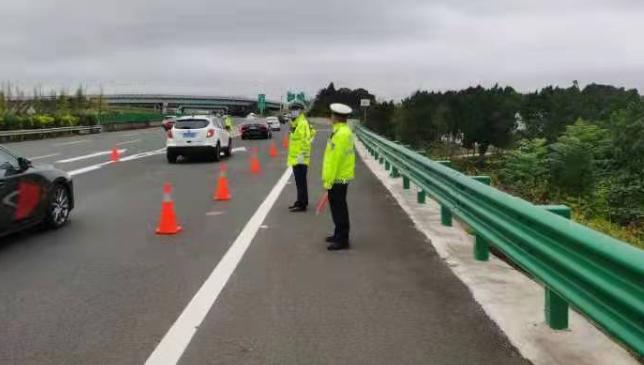 返程高峰来临  成都周边高速如何避堵 ?高速公安发布行车安全提示