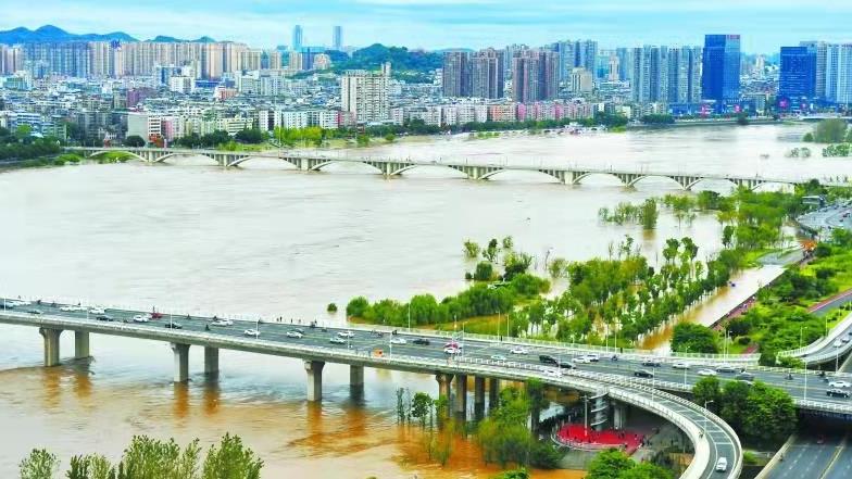 強降雨來襲 廣元、南充、涼山等9市(州)共緊急避險轉移安置5.2萬余人