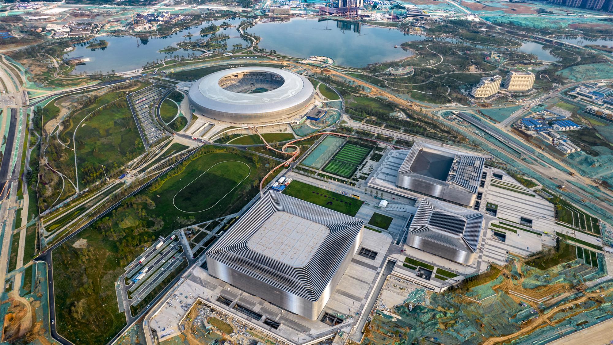 举全市之力办一届精彩圆满的国际体育盛会!施小琳专题调研大运会筹备工作,要求坚持高标准高质量,做大做强赛事经济,持续增强城市功能